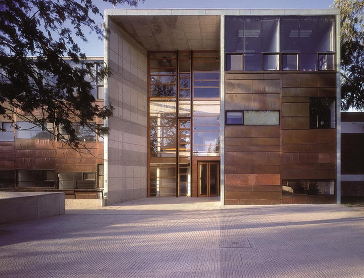 Edificio che alloggia la Facoltà di Matematica dell'Università Cattolica del Cile