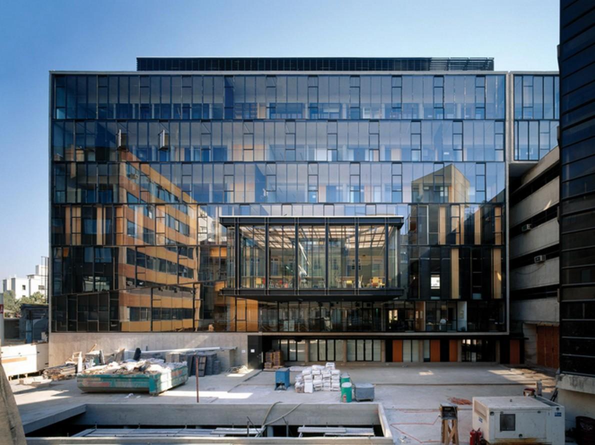 Edificio universitario progettato da Alejandro Aravena