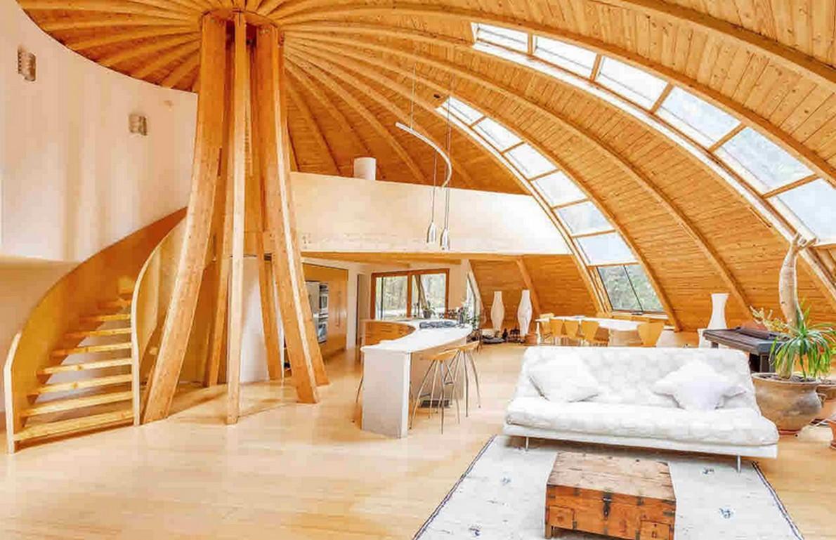 Interni della casa in legno ecologica