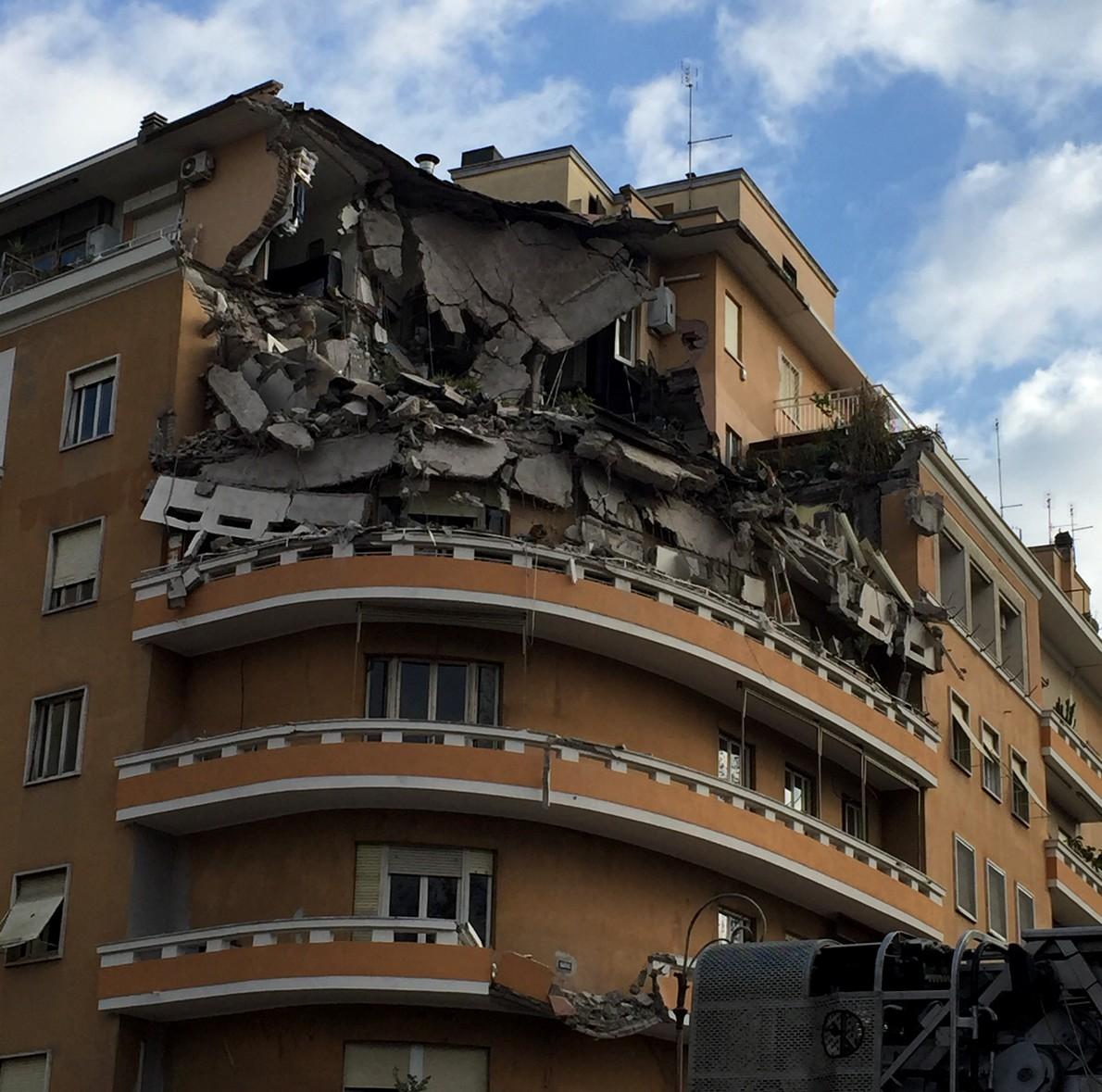 La palazzina crollata a Roma sul Lungotevere Flaminio