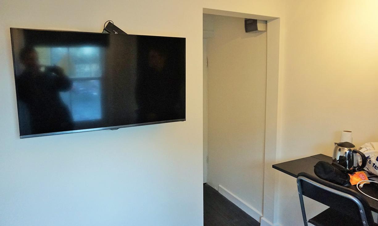 Interno dell'appartamento economico a Londra