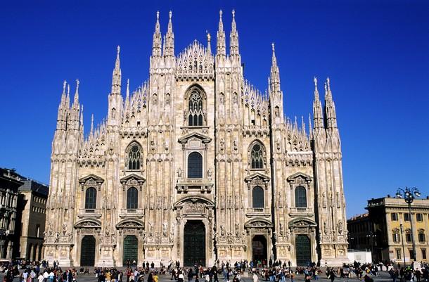 La facciata del Duomo di Milano
