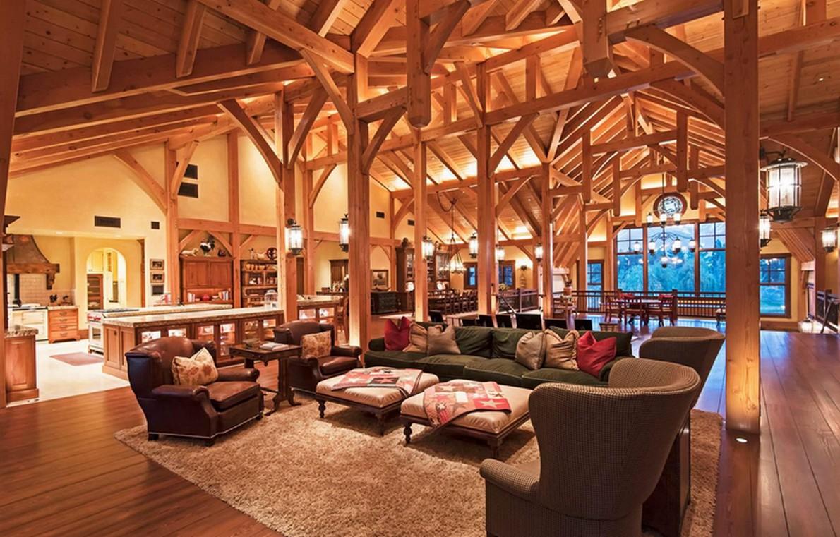 Un fienile trasformato in una spettacolare casa di for Bagni interni case