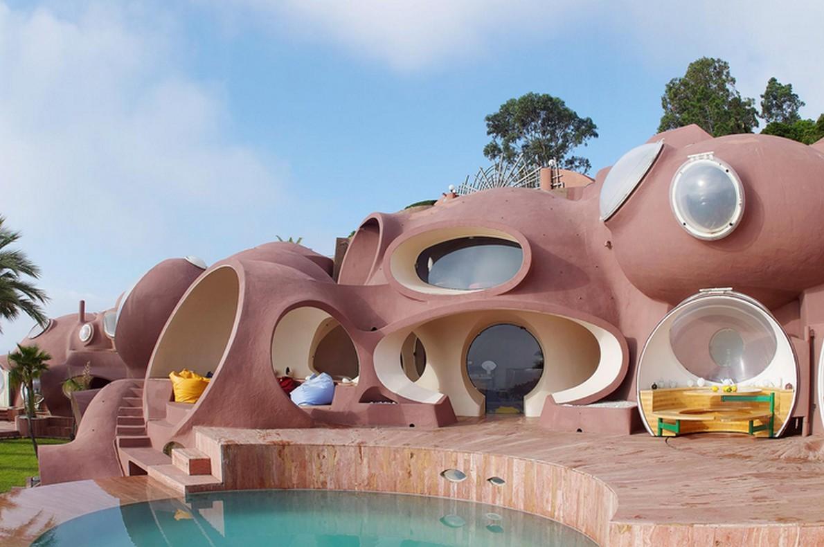 Edificio formato da più sfere
