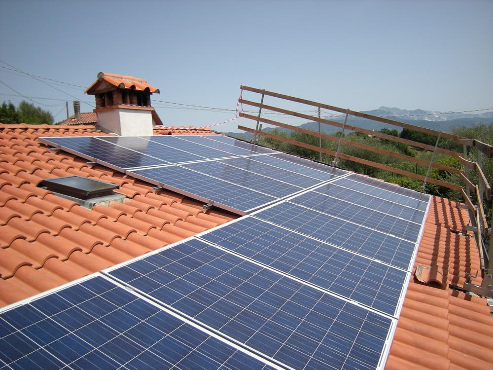 Pannelli fotovoltaici sul tetto di casa