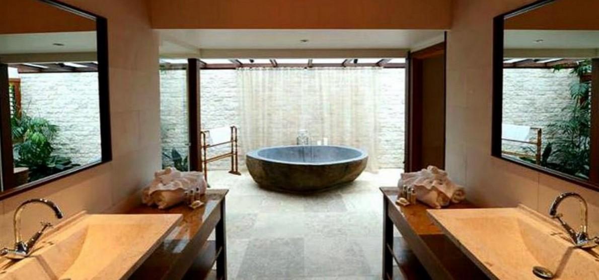 Come rinnovare il bagno senza spendere troppo fotogallery idealista news - Rinnovare vasca da bagno ...