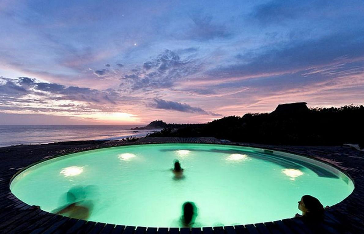 Casa con piscina circolare