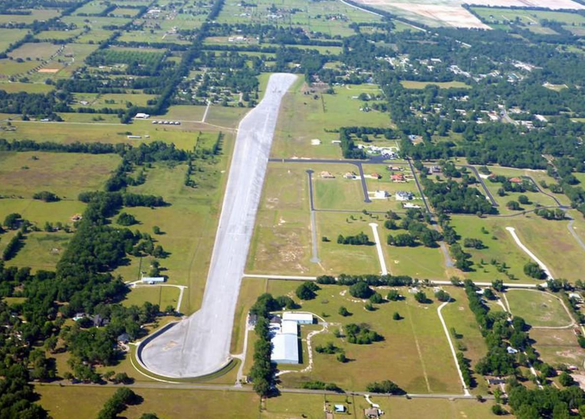 La pista di atterraggio della casa in Florida