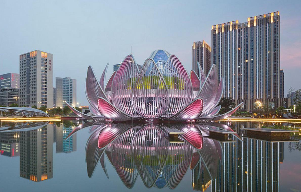 Edificio con forma di fiore di loto