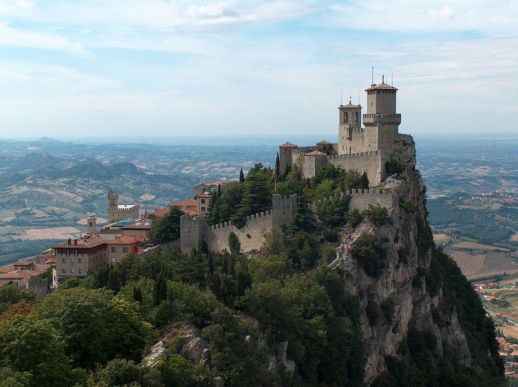 Prima torre di San Marino foto