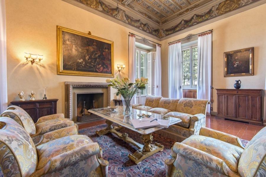 Interni Villa Di Lusso : Arredamento di lusso per gli interni della casa delle meraviglie a