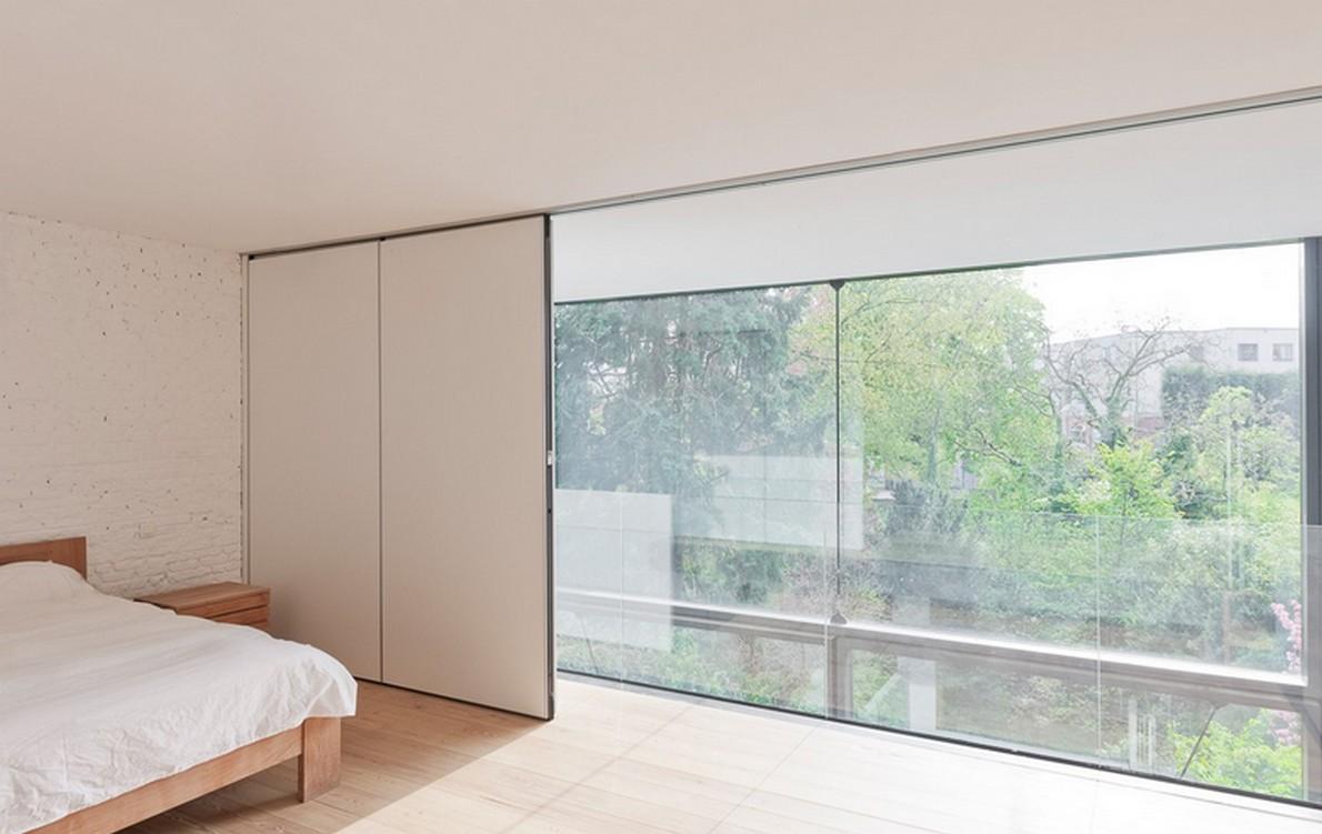 La casa con le vetrate più grandi del mondo: 6 metri di altezza e 4 tonnellate di peso