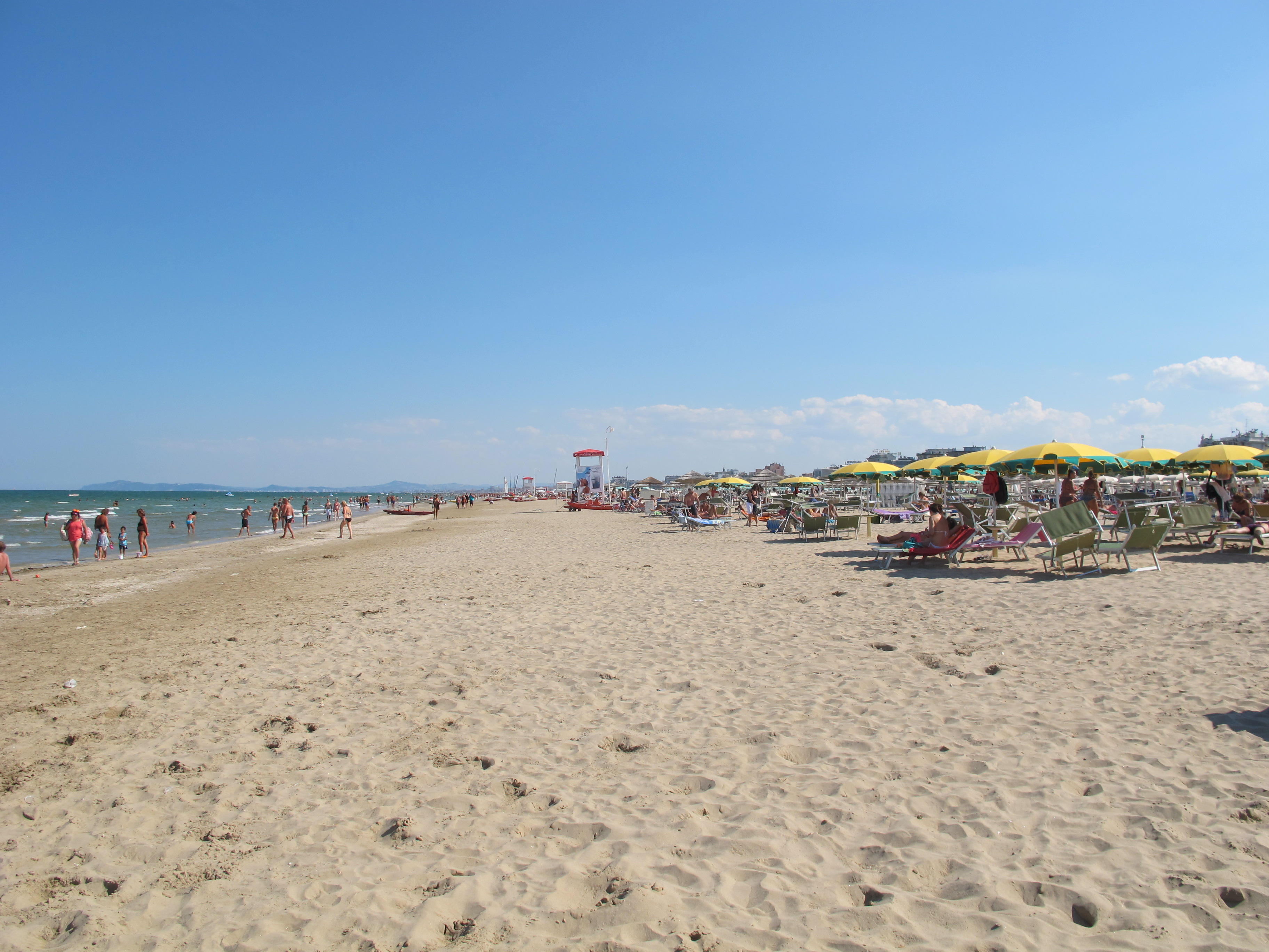 Matrimonio Sulla Spiaggia Emilia Romagna : Ferragosto last minute — idealista news