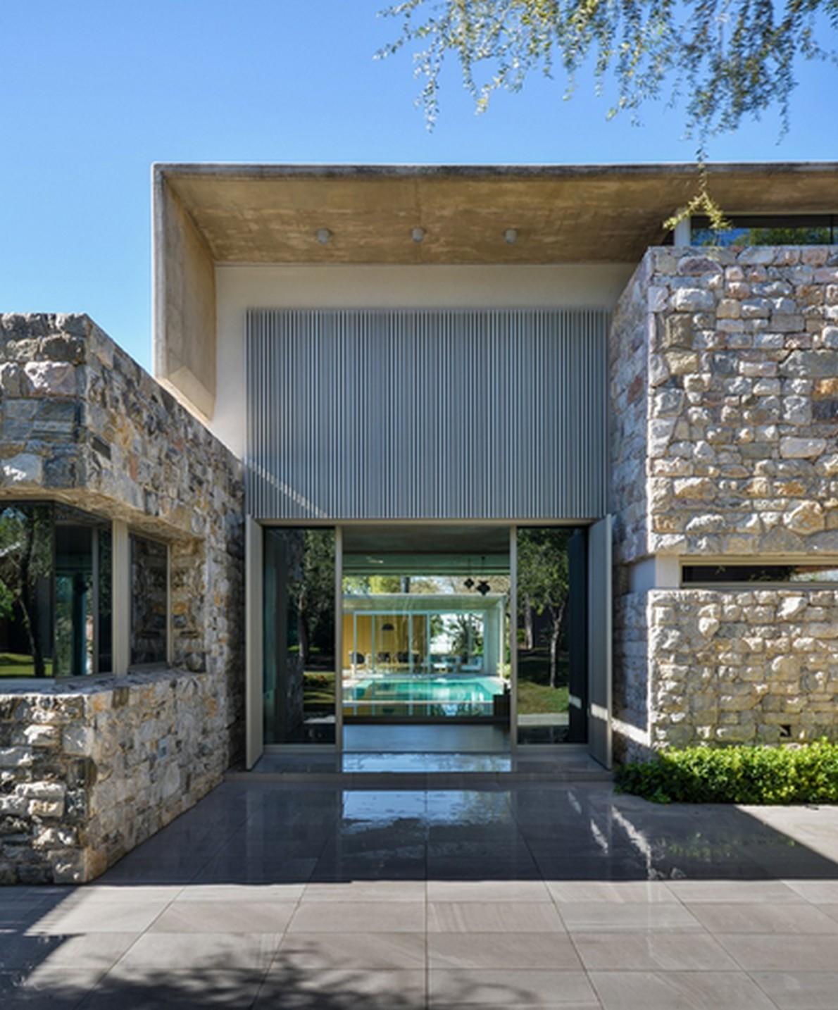 Facciata in pietra with facciata casa in pietra for Log e piani di casa in pietra