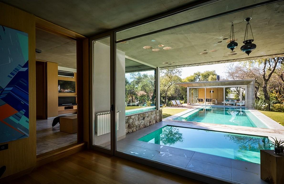 Vista della piscina dal soggiorno