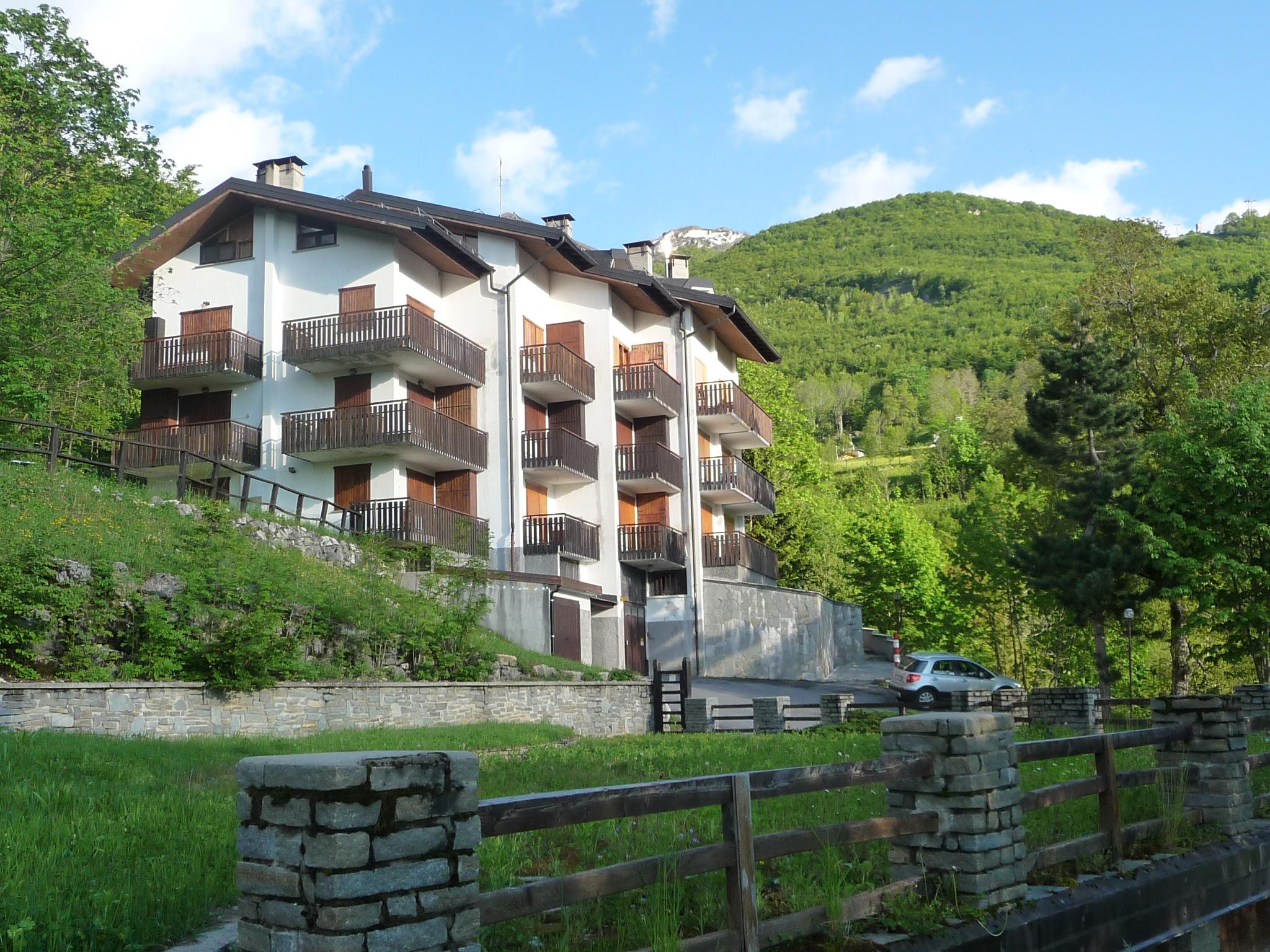 Case vacanze con vista sulle montagne idealista news for Case affitto