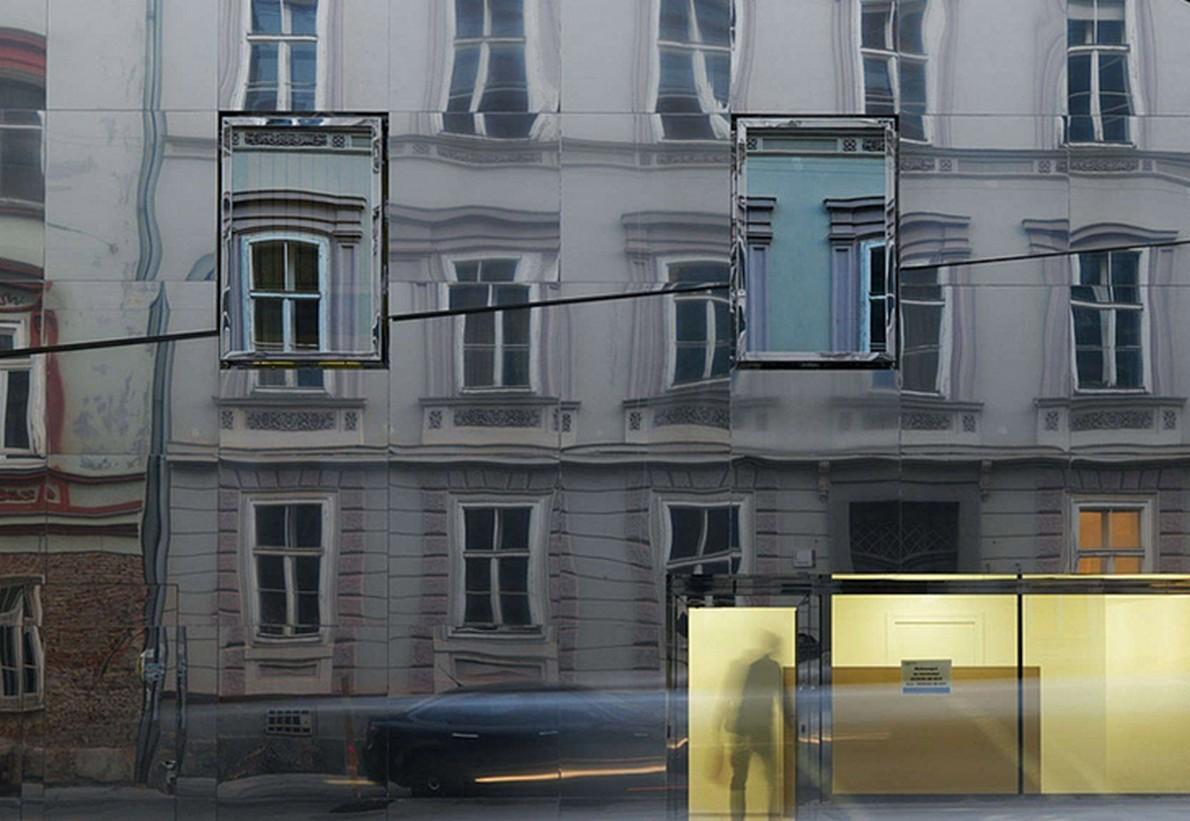 Riflettendo l'ambiente circostante, l'edificio preserva l'eredità della strada patrimonio storico
