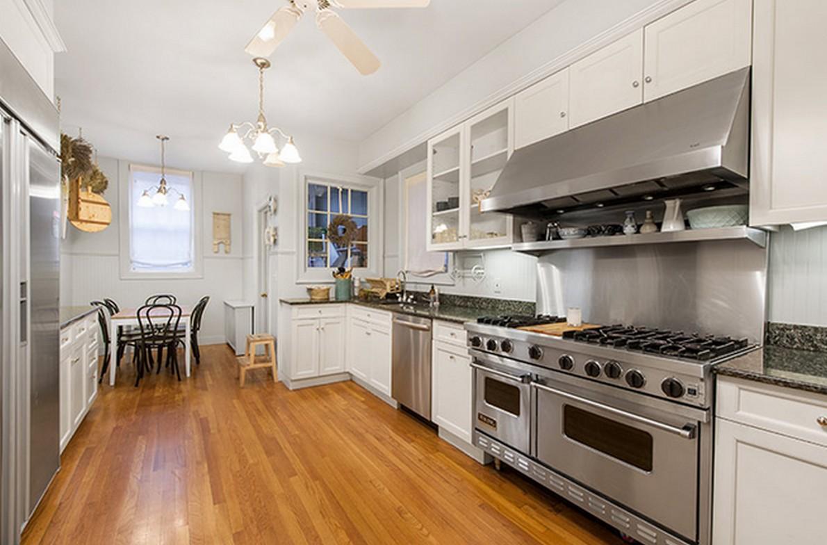 La cucina dell'appartamento appartenuto a Henry Fonda