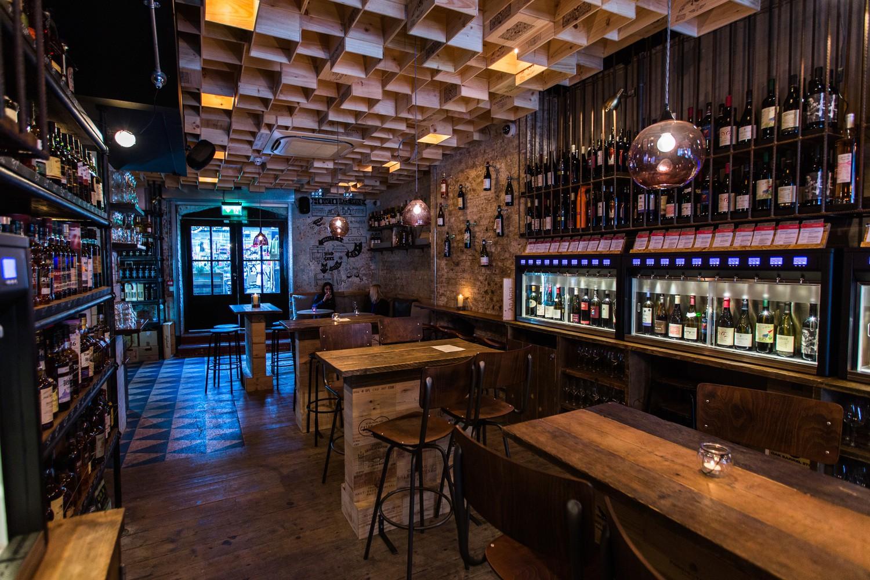 Miglior Bar del Regno Unito: Vagabond Wines (Spitalfields, Londres, RU) / Finch Interiors