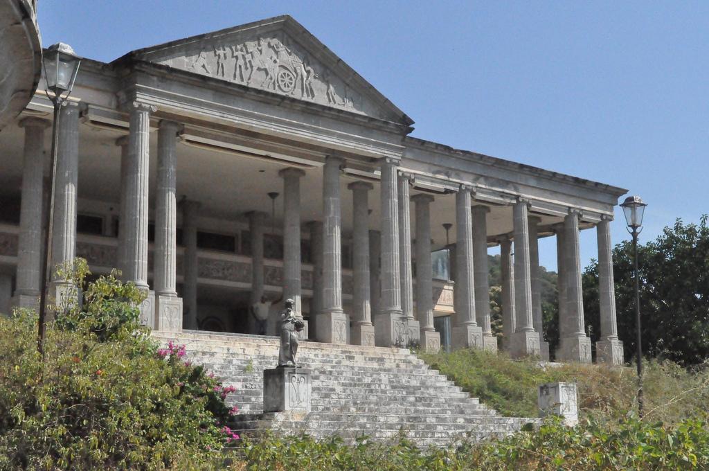 Il palazzo è stato chiuso nel 1982 dall'allora presidente del Messico