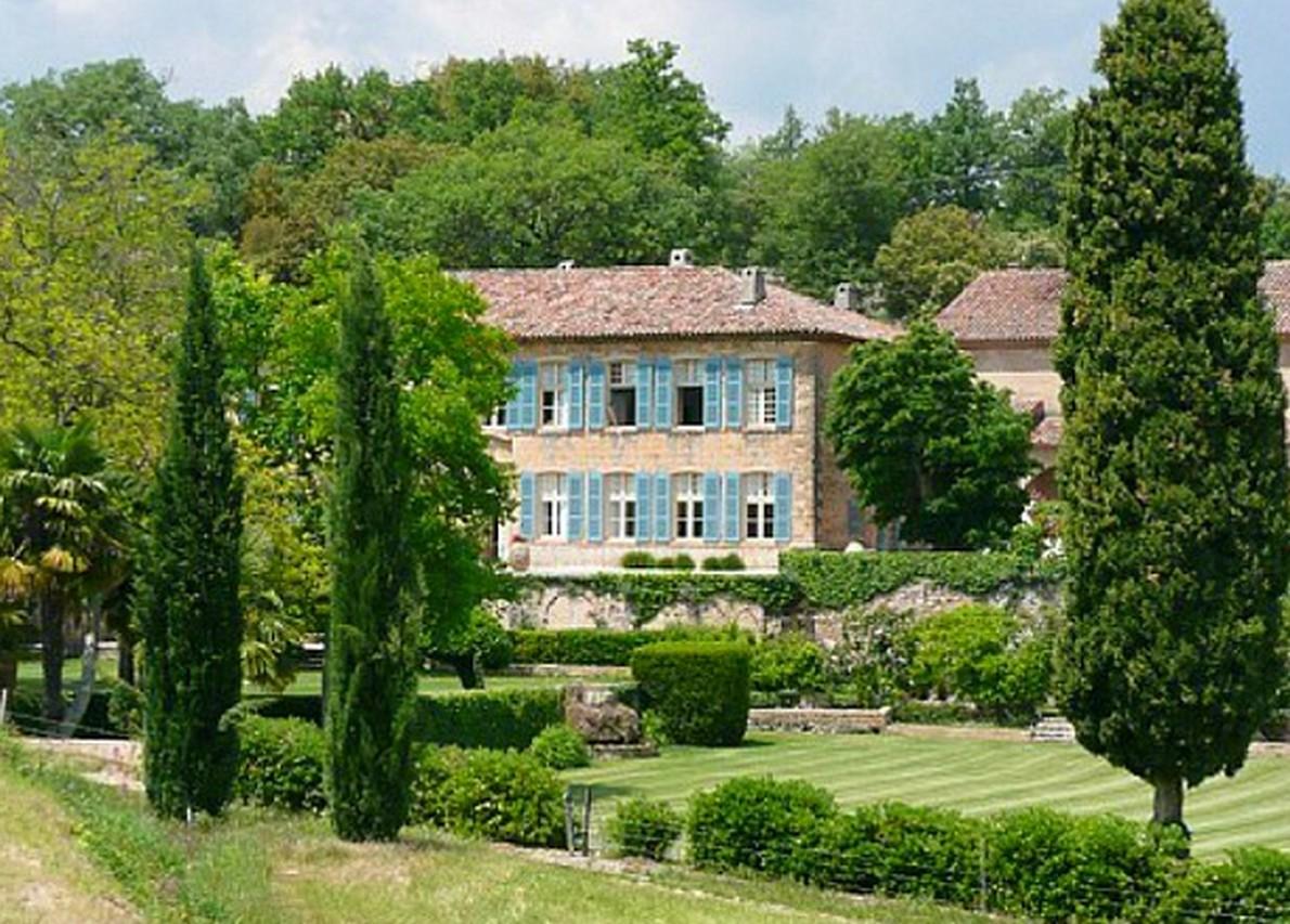 Angelina Jolie e Brad Pitt hanno acquistato la residenza nel 2012 per 60 milioni di dollari / hookedonhouses