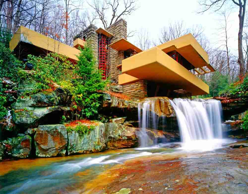 Ecco 10 esempi che mostrano come costruire delle case for Frank lloyd wright piani casa della prateria