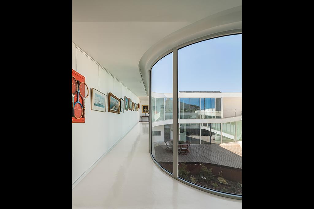 Una casa a tre piani senza scale idealista news for Piani sud ovest della casa con cortile