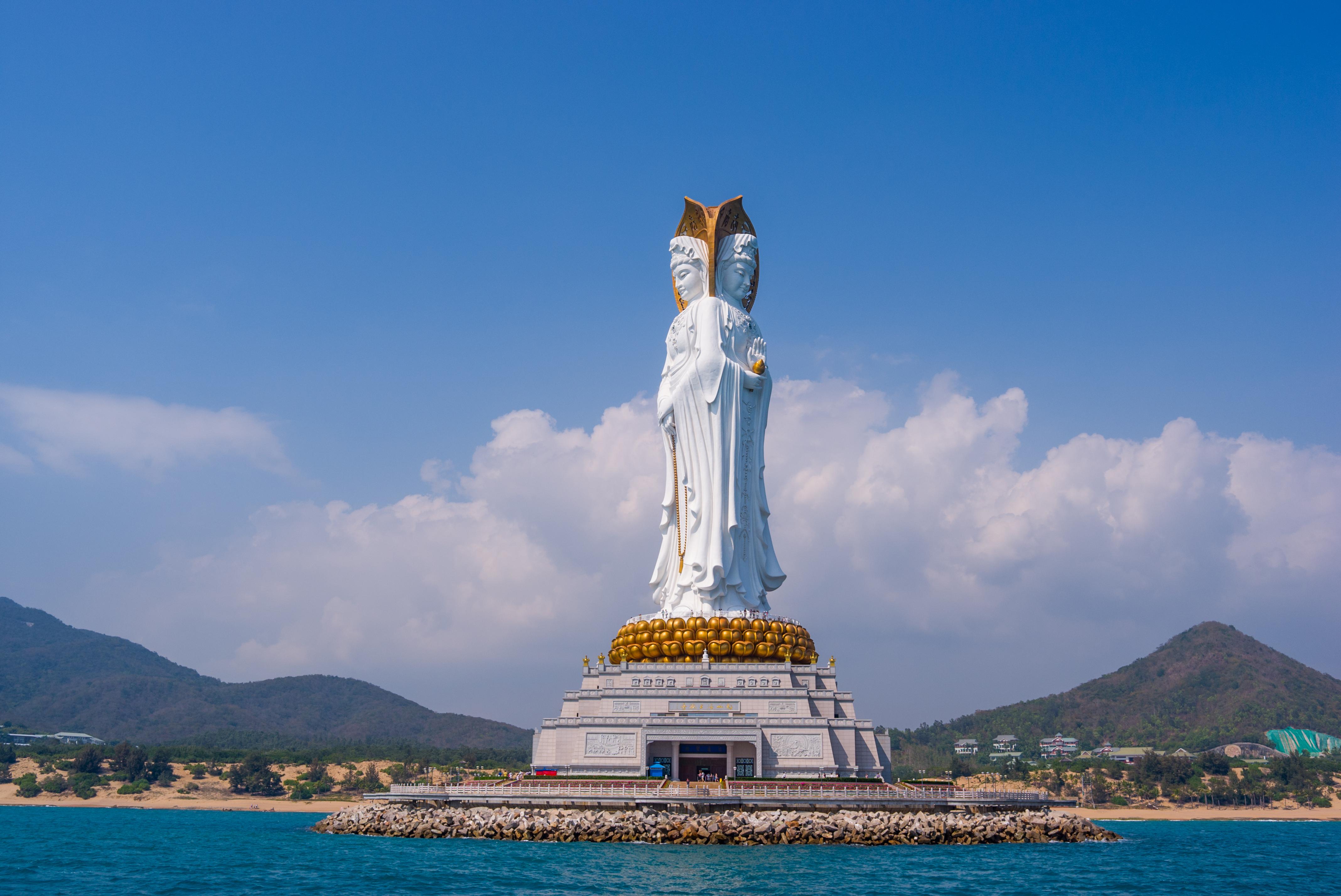 Guanyin del Mar del Sur (108 metri), Sanya (Cina)