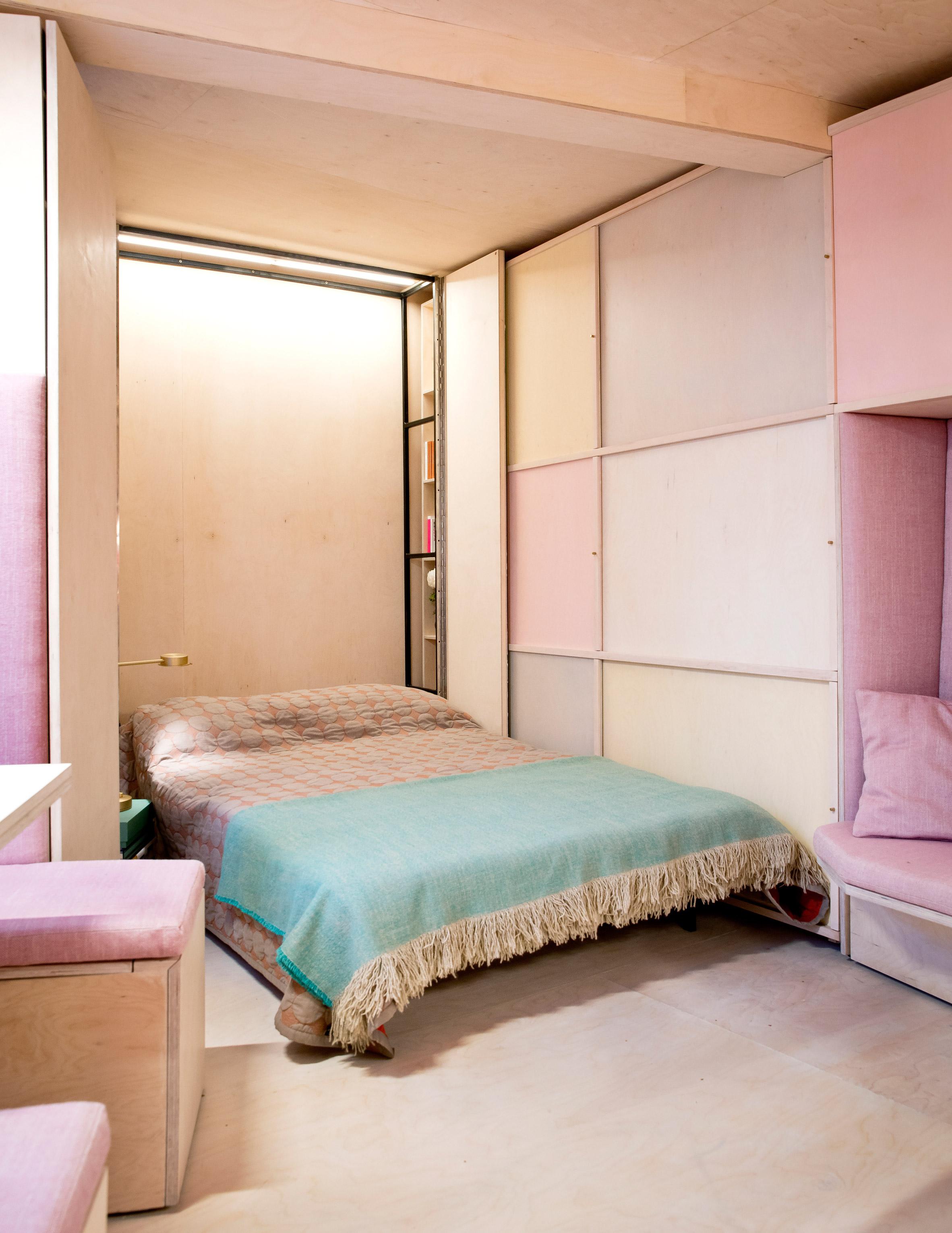 In pochi m2 c'è spazio anche per un letto matrimoniale