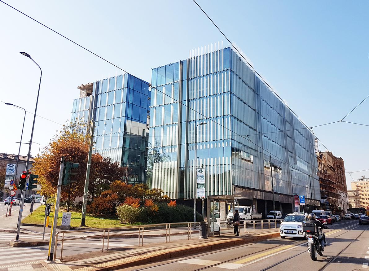 amazon nasce a porta nuova la nuova sede in vetro e On uffici attrezzati milano