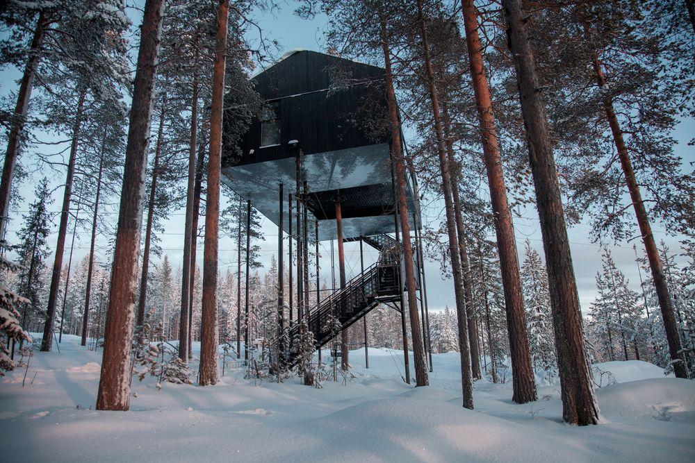 E' nascosto nel bosco della località di Harads / Tree Hotel
