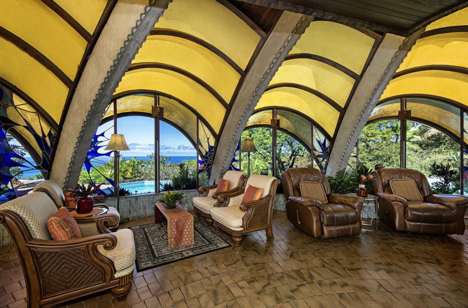 E' possibile affittarla per brevi soggiorni al prezzo di 3500 euro a settimana / Onion House