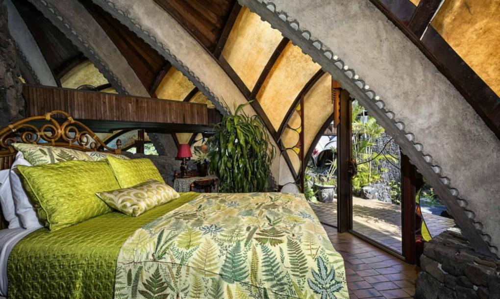 Un'altra camera da letto / Onion House