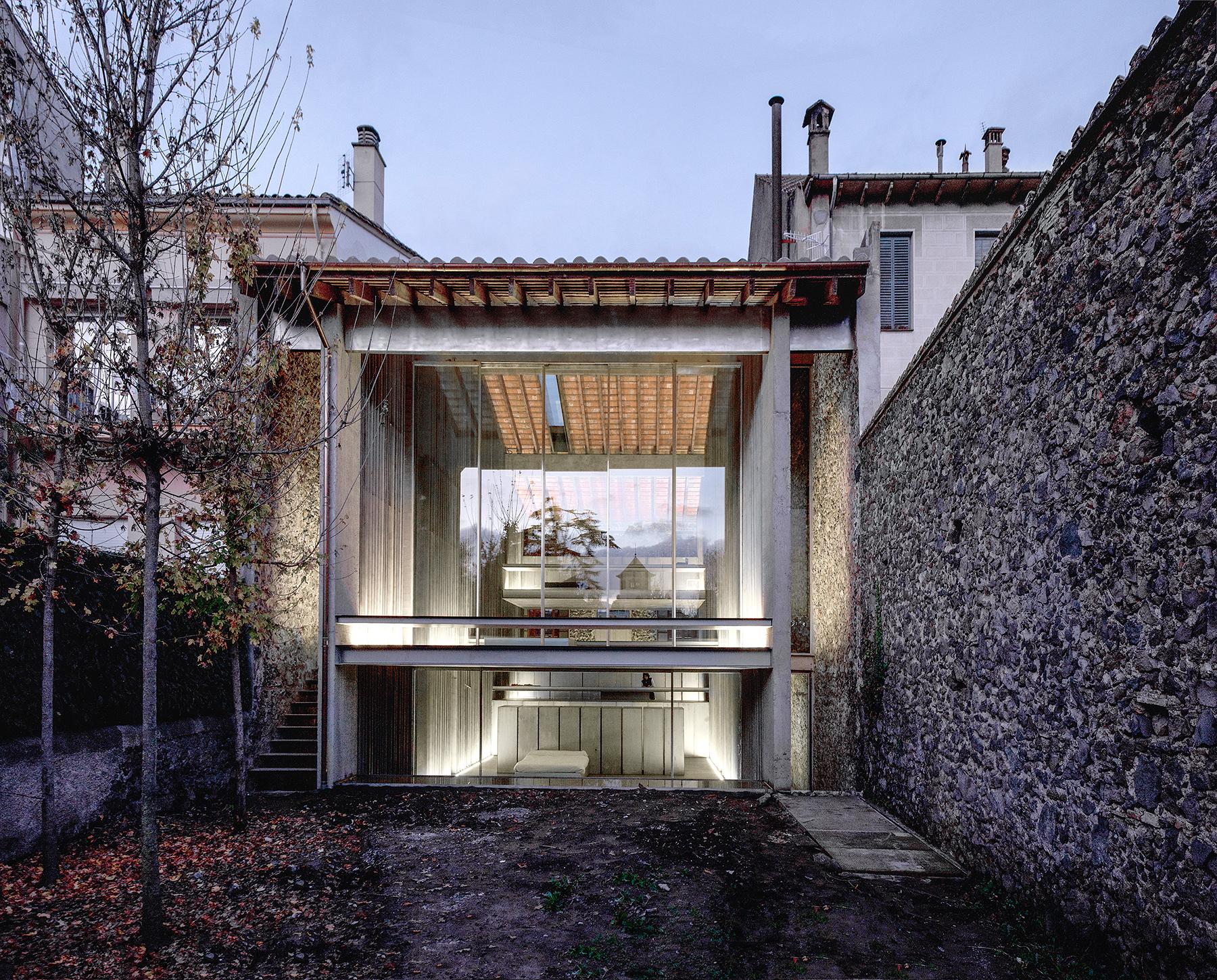 Row House (Olot, Girona)