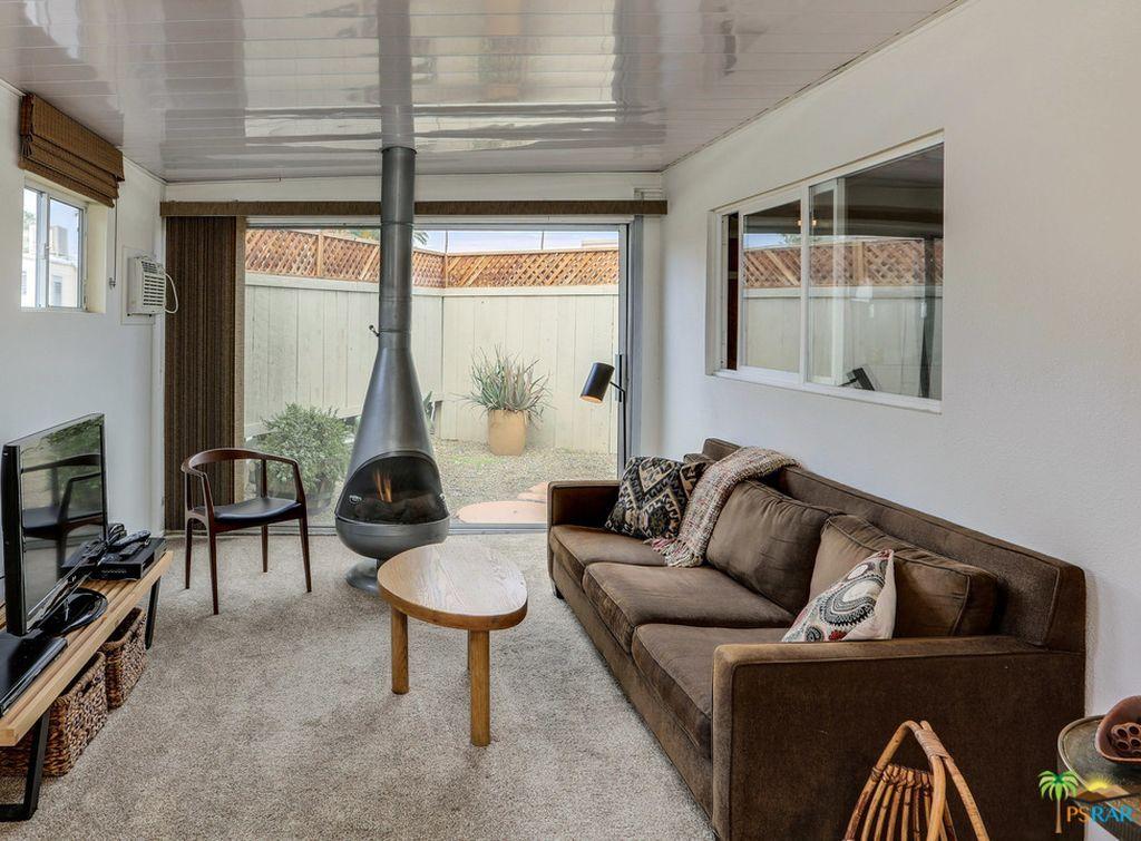L'abitazione si trova a Palm Springs, in California