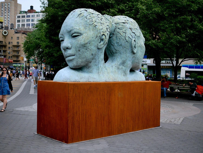 MORPHOUS, di Lionel Smit, ad Union Square Park