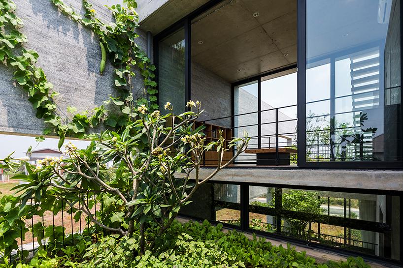 Un particolare esterno / Vo Trong Nghia Architects