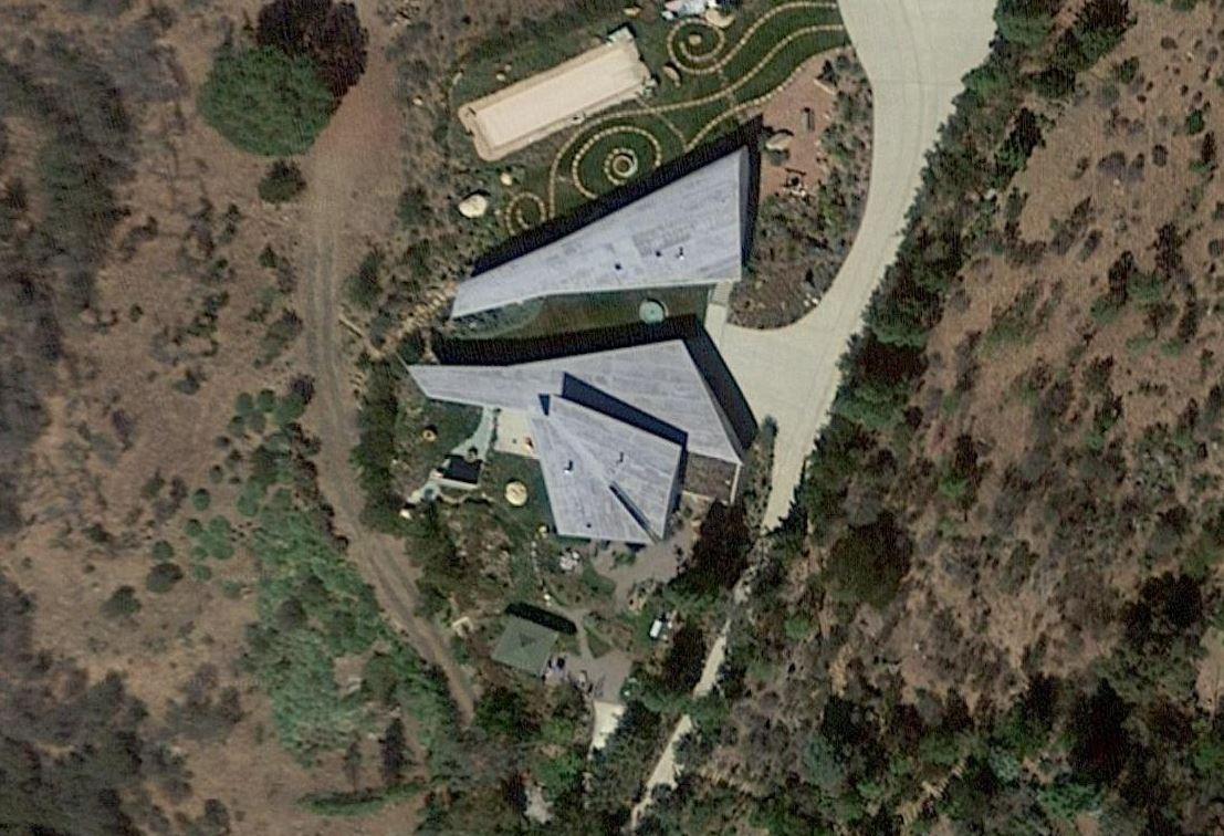 La casa è stata costruita nel 2011 / Wing House. David Hertz EAIA