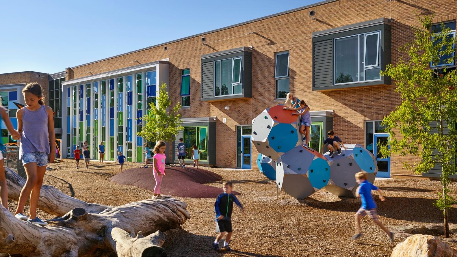 Discovery Elementary School (Arlington, Virginia – USA)