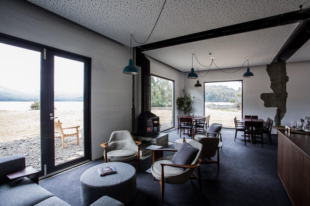 L'hotel è stato realizzato dallo studio di architettura Cumulus Studio / Pumphouse Hotel