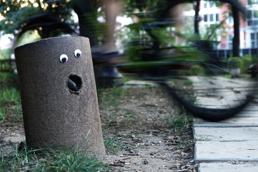 "Il movimento ""eyebombing"" nasce dalla fantasia di due artisti urbani danesi / Eyebombing Bulgaria"