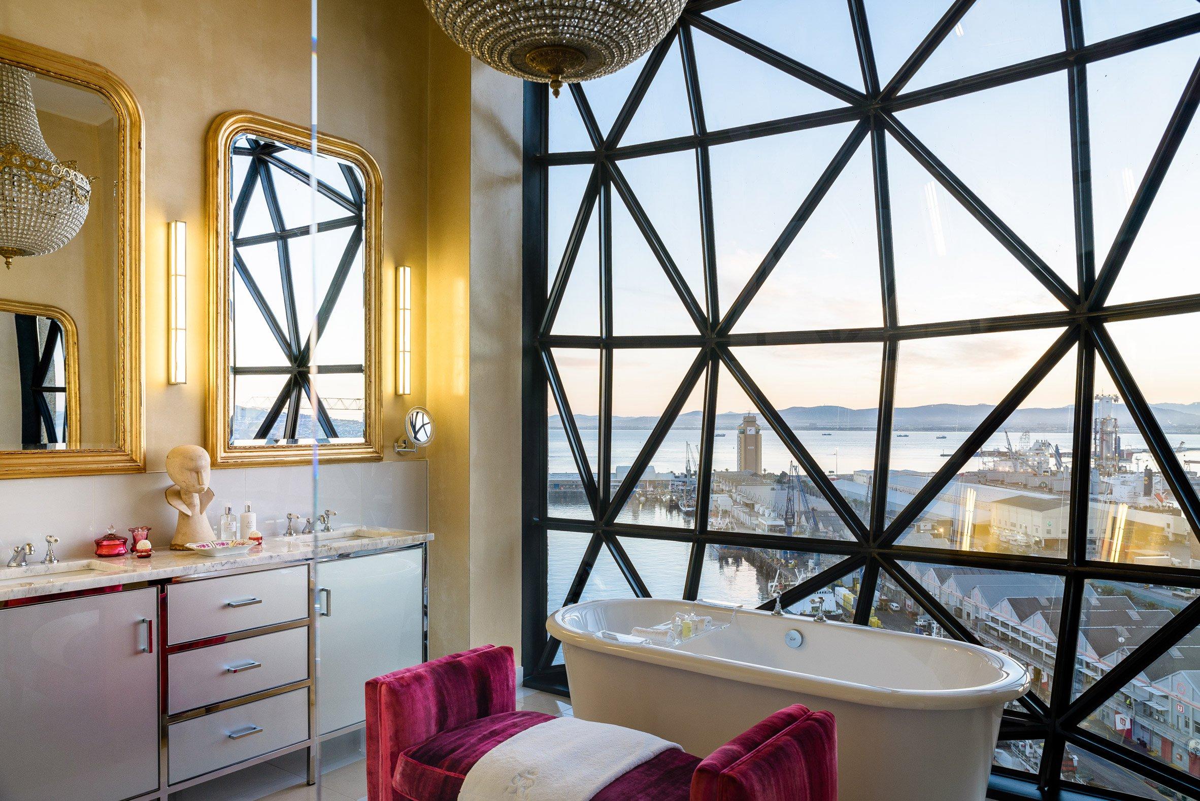 Un dettaglio di un bagno / The Royal Portfolio hotel