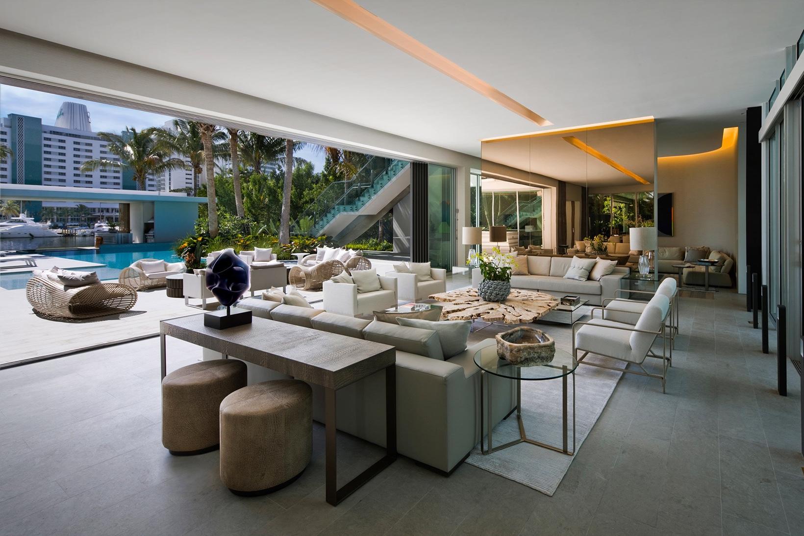 La casa si trova a Miami / SAOTA