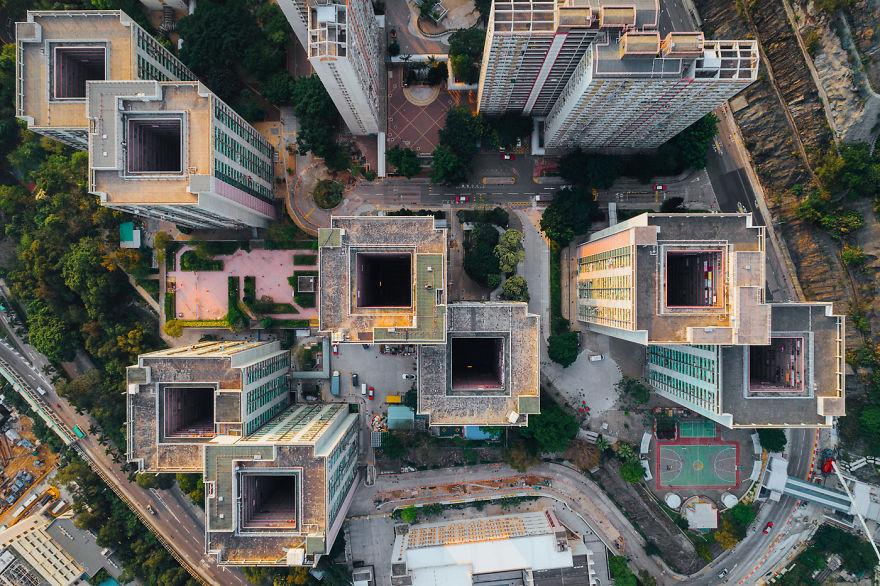 In un'area di poco più di 1.000 km2, i grattacieli sono gli edifici più comuni / AndyYeung