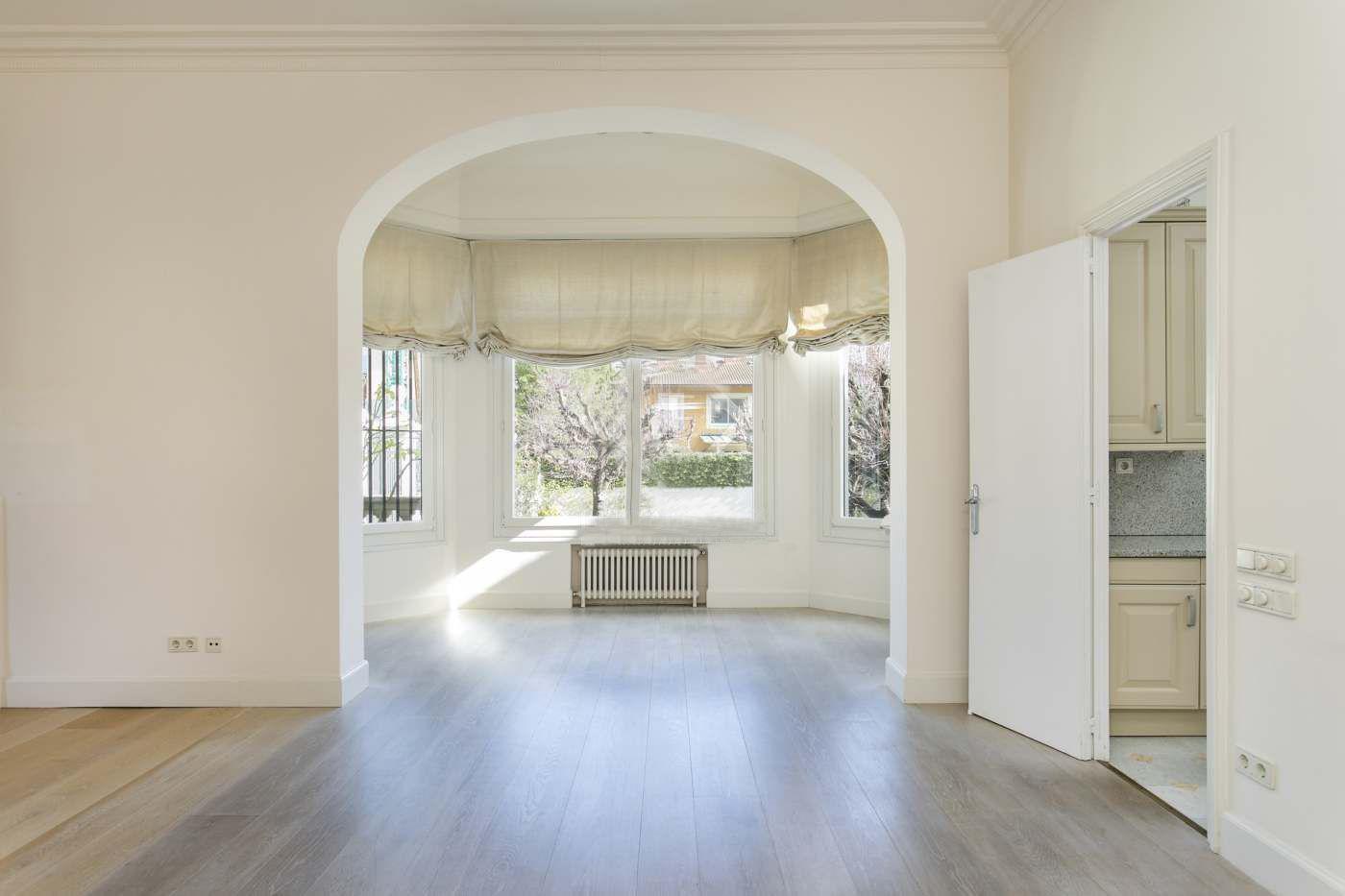 Ecco la casa dove ha vissuto johan cruyff in vendita su for Piani casa 3 camere da letto e garage doppio