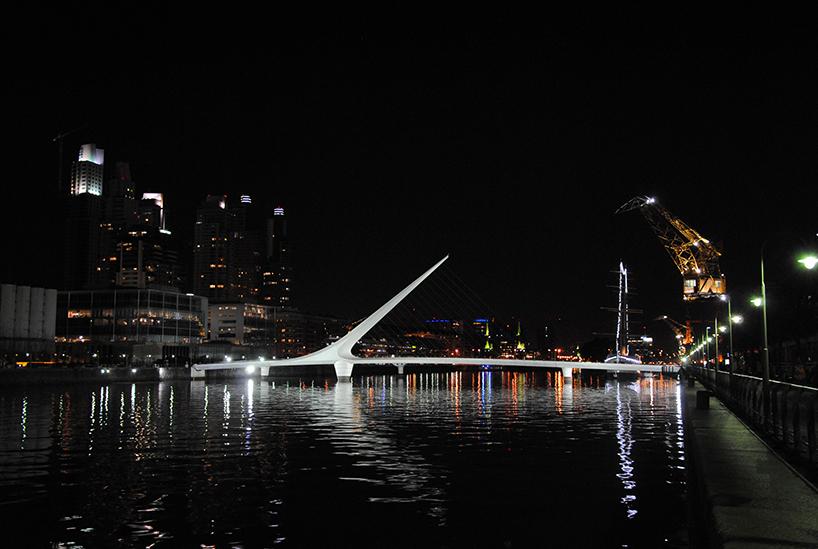 Il ponte della Mujer, di Santiago Calatrava. Buenos Aires (Argentina)