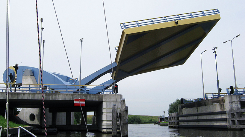Slauerhoffbrug, Van Driel Mechatronica. Leeuwarden (Olanda)