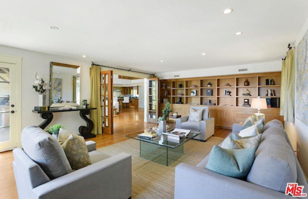 L'immobile dispone di sette camere da letto, sei bagni e quasi 500 m2 di superficie / Rodeo Realty