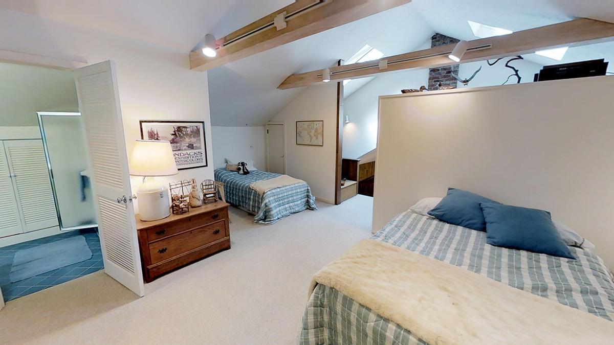 Una camera da letto / waterfallsforsale