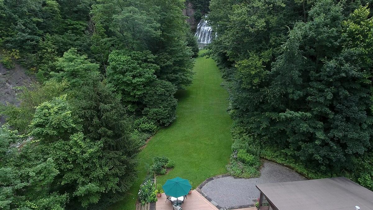 Il giardino / waterfallsforsale